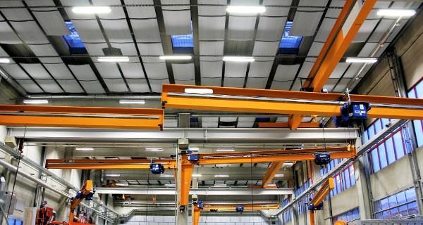 Schallabsorption in Produktionshallen